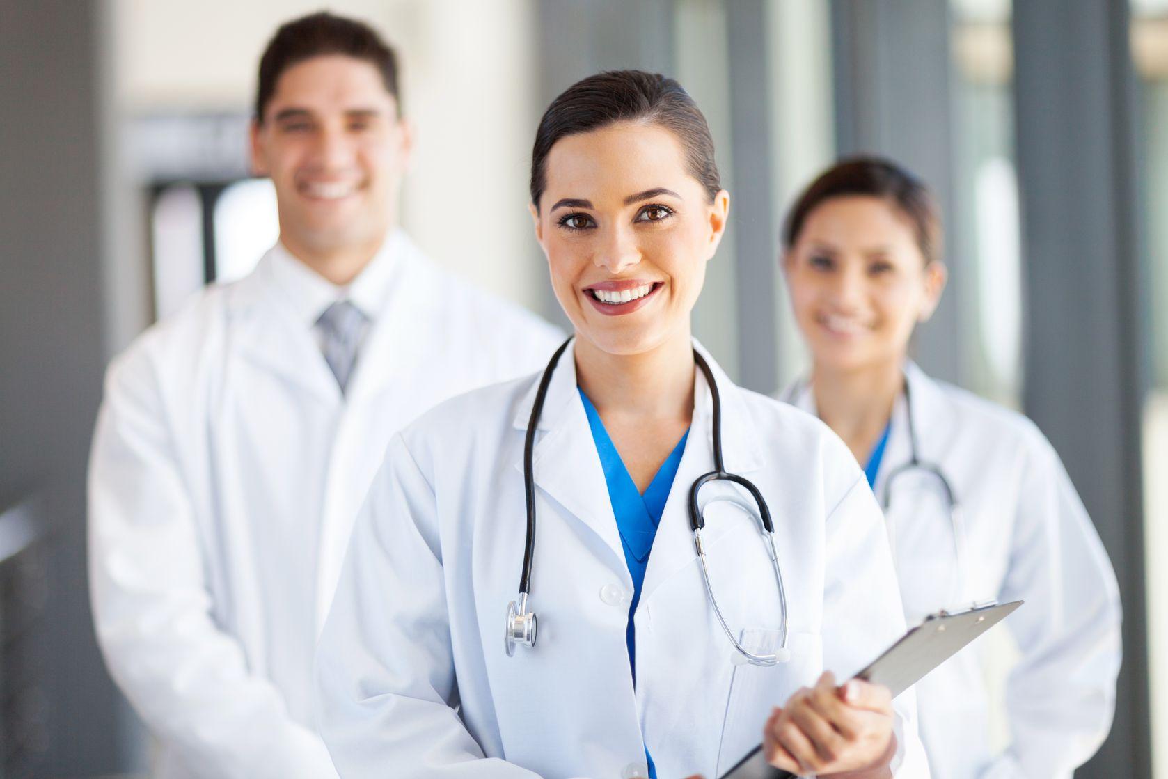 медсестра для постановки капельницы